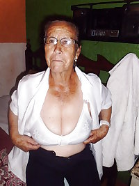 Granny Naked 02