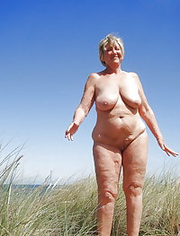 BBW matures and grannies at the beach 313
