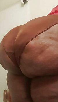 Huge juicy ass Granny