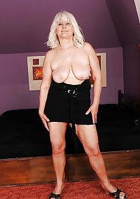 Fatty granny with big flabby jugs