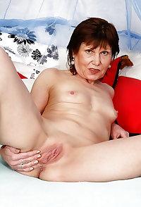Annie over 60 granny