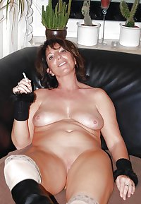 Wedding Ring Swingers #194: Wives show pussy