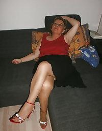 MATURE MOM NON-NUDE SEXY DRESS SKIRT LEGS