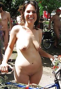 mature amateur saggy tits 140