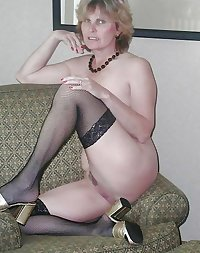 Wedding Ring Swingers #73: Show Your Pussy