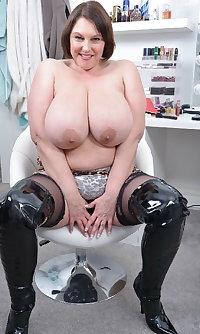 Granny & Mature big tits