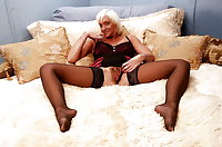MATURE AND GRANNIES109
