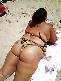BBW matures and grannies at the beach 165