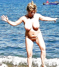 BBW matures and grannies at the beach 240