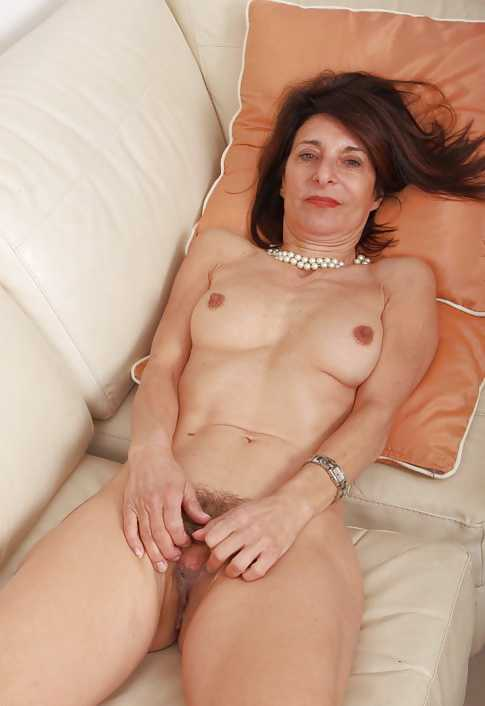 Hot Mature Gals, nude hairy mature women over 60 yrs